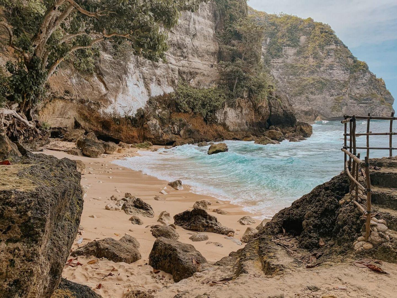 Tembeling Beach Nusa Penida
